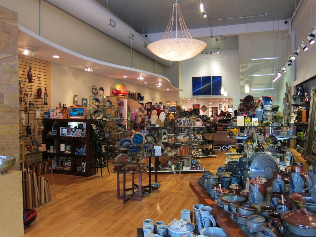 Best Shopping Centers in Lawrence, KS - Westridge Shopping Center, Pine Ridge Plz, Legends Outlets Kansas City, Brookwood Shopping Center, Town Center Plaza & Crossing, Park Place, Zona Rosa, Crown Center, Leavenworth Plaza Shopping Center, Oak.
